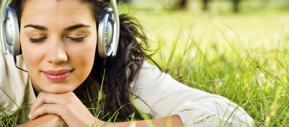 5-beneficios-de-escuchar-musica-que-te-ayudaran-en-tu-vida-1